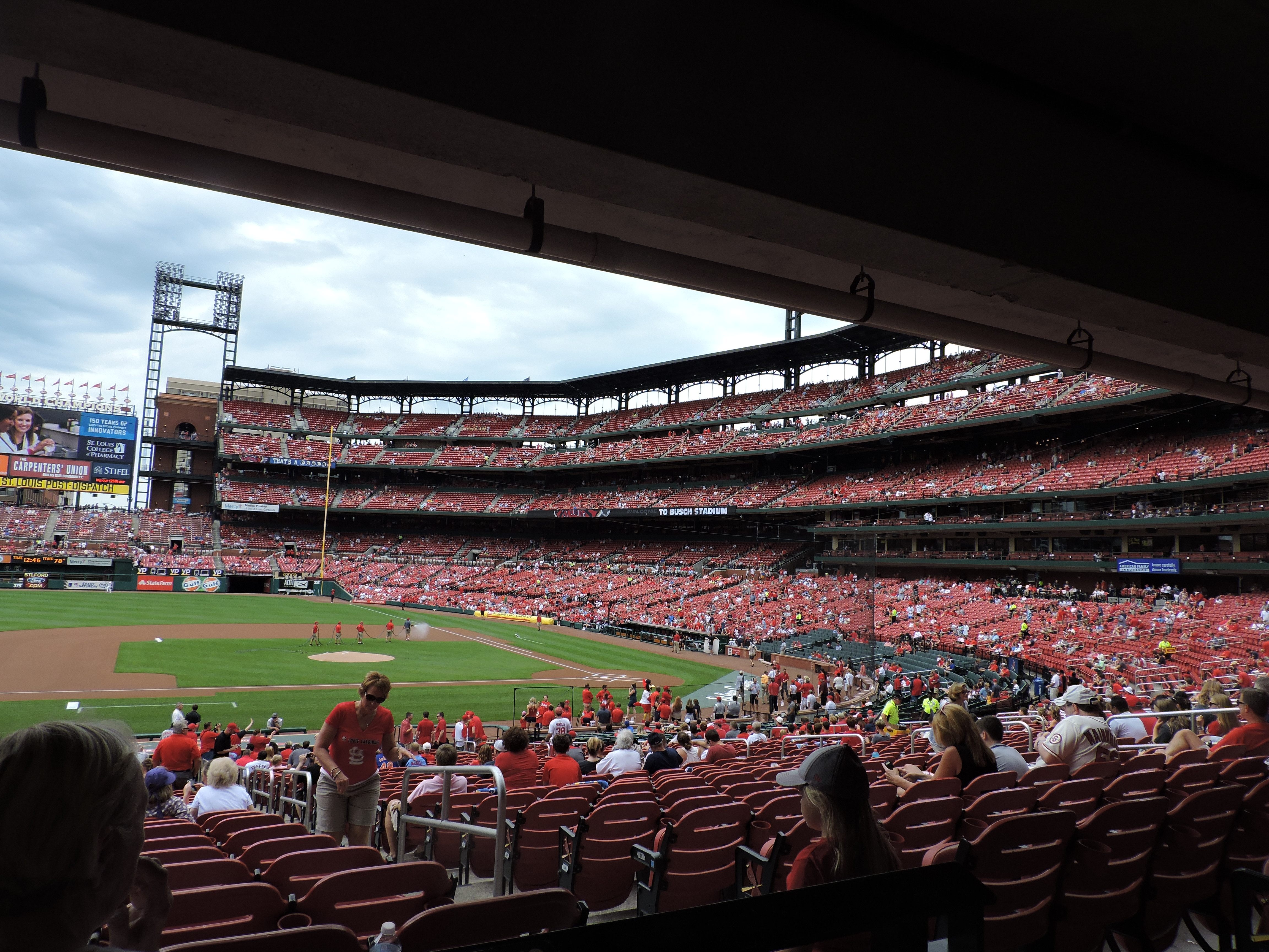 The Cardinals Dont Have Standing Room Only In Bottom Section And They Easily Accessible Counters Open To All On A First